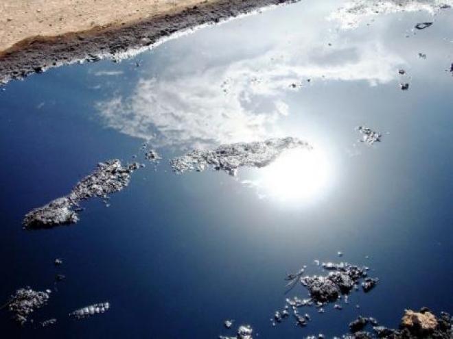 Нефтепродукты стекают в Волгу