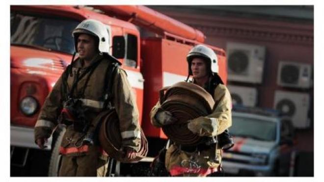 В Самаре из горящего дома пришлось эвакуировать людей