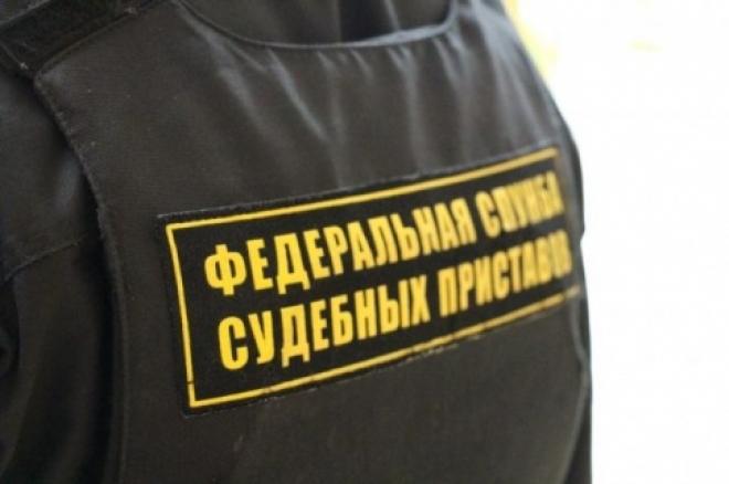 В Тольятти судебный пристав попался на взятке