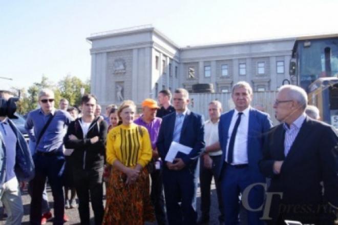 Площадь Куйбышева отремонтируют до конца октября