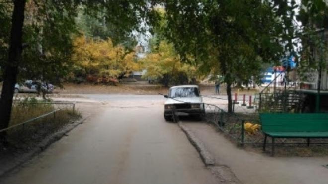 В Самаре водитель «семёрки» на тротуаре сбил девочку