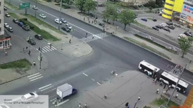 Для российских водителей изменятся правила проезда перекрестков