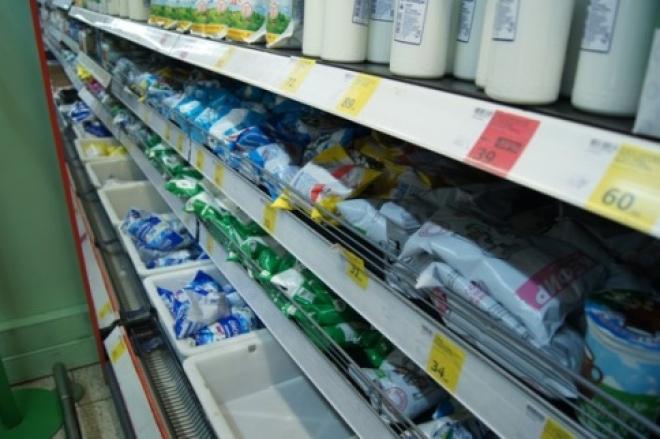 В самарских магазинах продавали молоко с запрещенными добавками