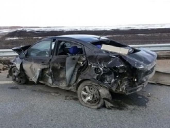 В Самарской области водитель «Hyundai Solaris» протаранил барьерное ограждение
