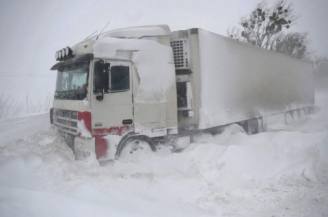 Из-за погодных условий в Самарской области ввели ограничение для грузовиков
