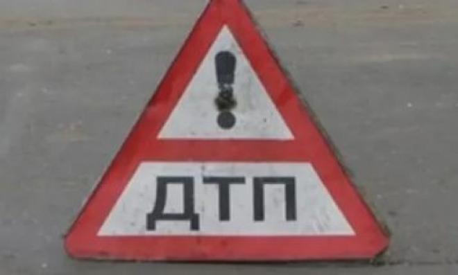 В Самарской области автоледи на Lada Granta врезалась в микроавтобус