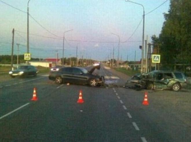 На трассе М-5 «Урал» в Самарской области произошло лобовое столкновение иномарок