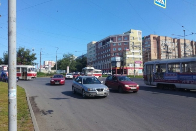 В Самаре на улице XXII Партсъезда из-за неисправности линии встали трамваи