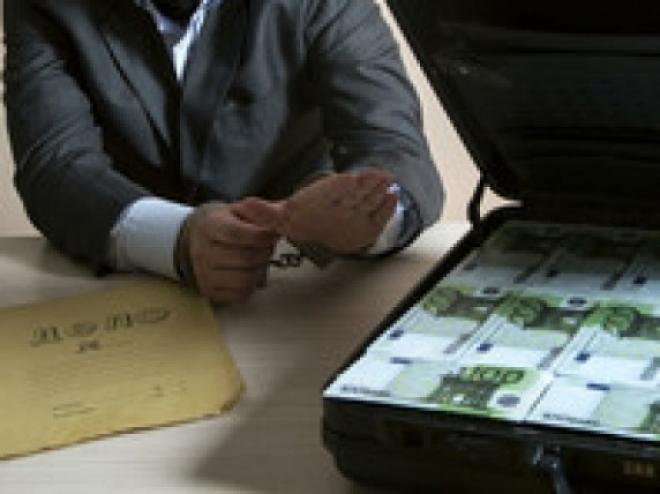 Средний размер взятки в России составляет 328 тысяч рублей