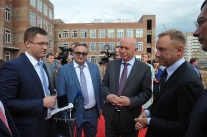 Дмитрий Ливанов посетил самарские школы-новостройки