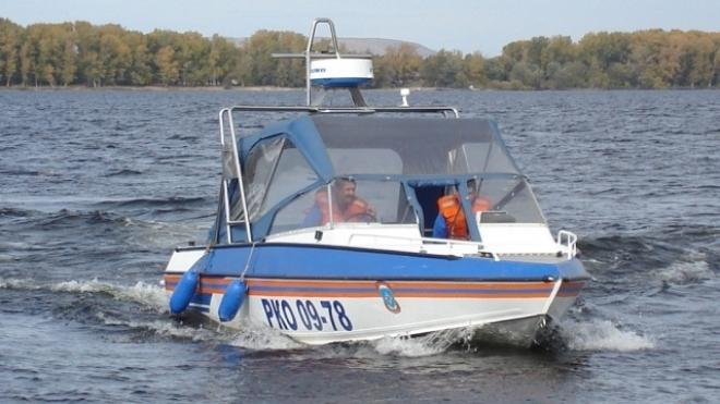 В Самарской области с заглохшей моторной лодки эвакуированы пятеро взрослых и ребёнок